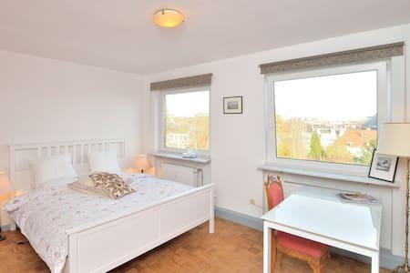 Studio ultra cosy avec vue à Woluwé - Woluwe-Saint-Pierre - Apartemen
