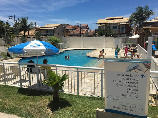 Apartamento próximo à praia do Costa Azul