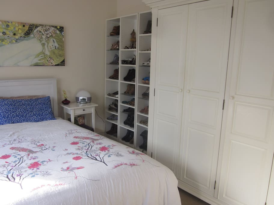Bright, very large master bedroom - please note wardrobe/shelving will not be available but there is lots of floor space for suitcases