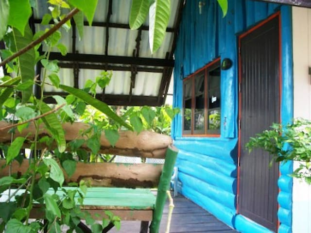 Blue, aicond bungalow with seaview - Ko Mak
