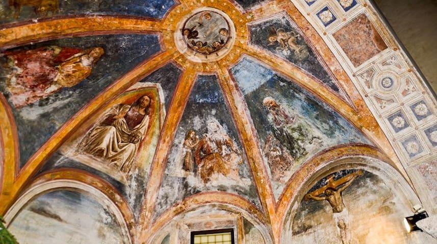 Volta del Convento di San Francesco affrescata dal Sodoma