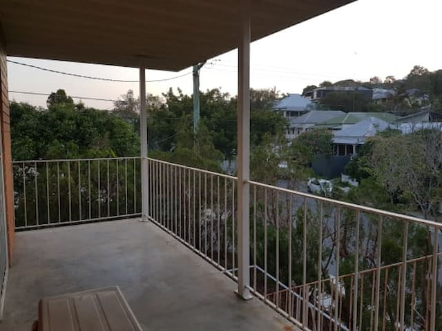 Bright Inner City home Close to all Amenities