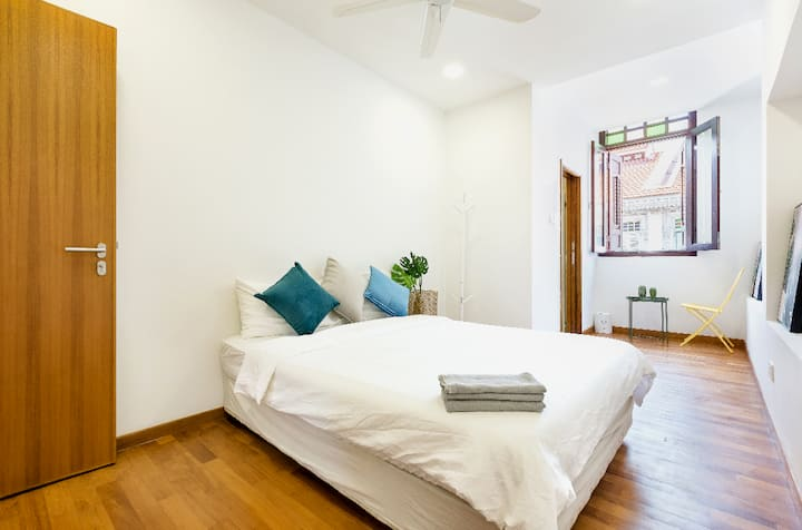 Sunny 2 BR in a Walk up Apartment