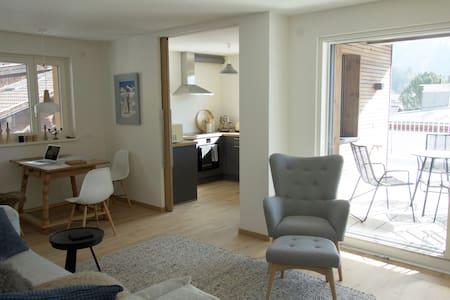 Penthousewohnung mit Dachterrasse und Traumblick - Campo Tures - Apartament