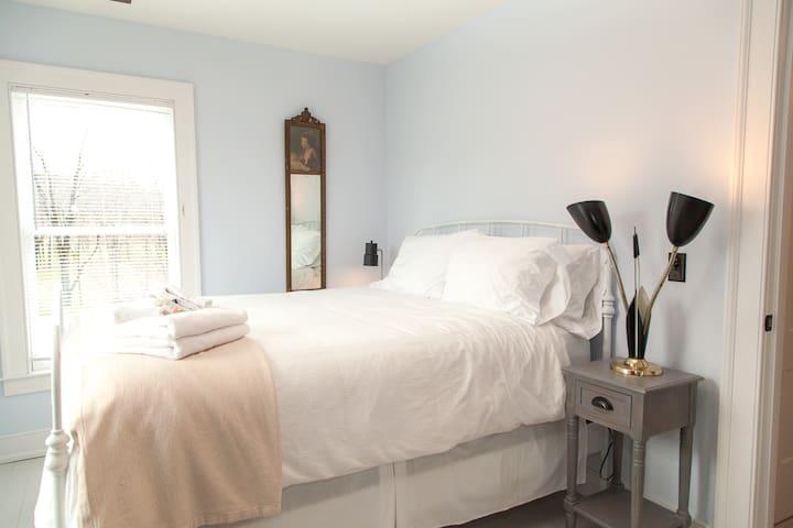 Queen Bedroom Number 3