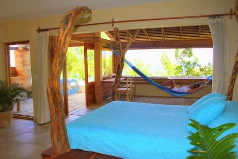Love Nest! Suite Overlooking Beach