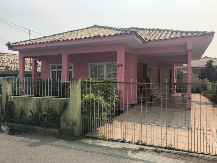 Casa Rosa 2 em Ponta das Canas