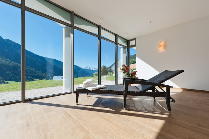 Apartment for 2 with wellness and dolomites-view