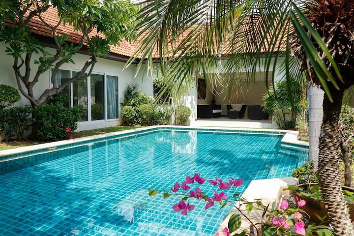 Luxury Private Villa+Pool @500m From Jomtien beach