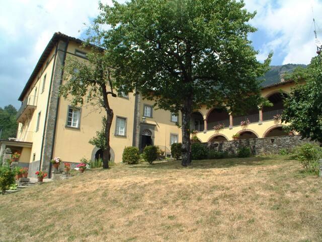 Casa Gianfrati, LE APUANE - Corfino - House