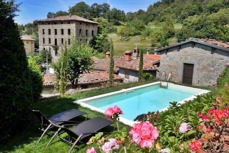 """Corfino Apartment """"Il Giardino"""" - Corfino"""