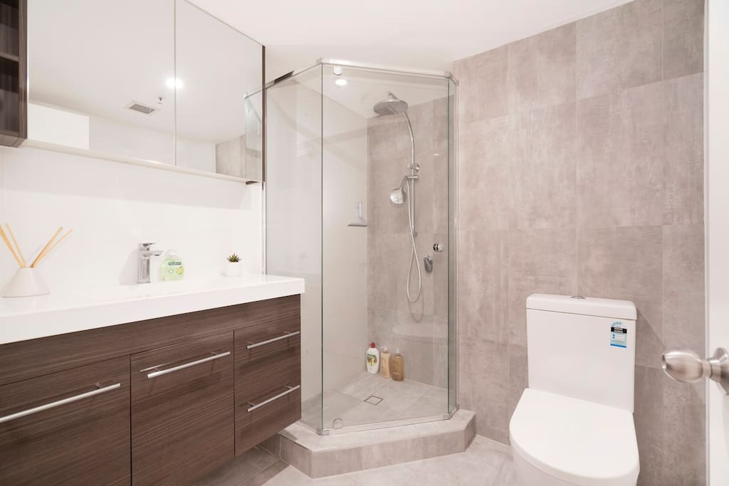 Recently renovated modern ensuite. Shampoo, conditioner and shower gel provided.