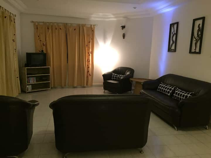3 bedroom bungalow close to beach and private pool