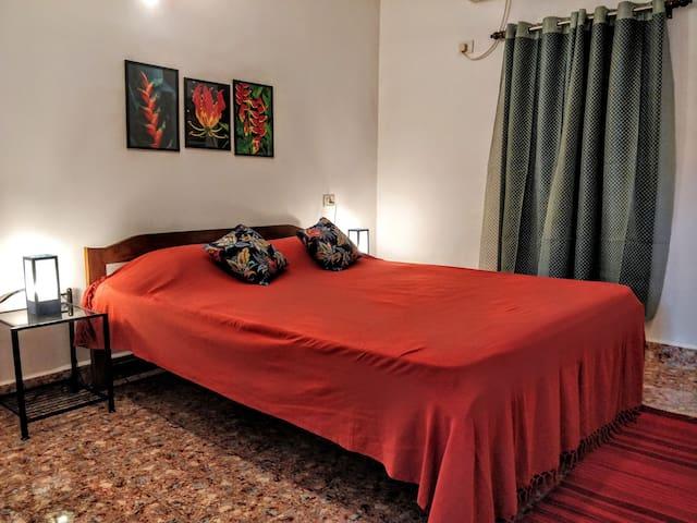 The Ozran House - Red Room Studio Unit, Vagator