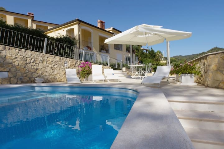 Elegant house with swimming pool