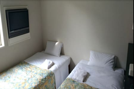 1min->Machida Station/Twin Room