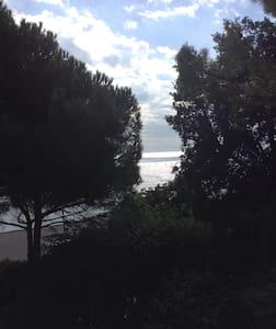 Independent loft in a big garden - Genova
