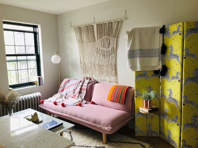 Sunny, Quiet Apartment in Iconic West Village