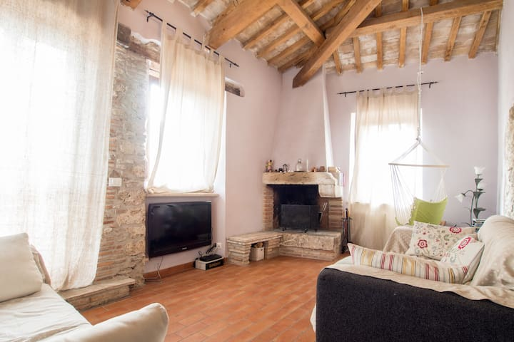 PENTHOUSE WITH TERRACE Lake View - Hidden Gem - Castel di Tora - Lejlighed