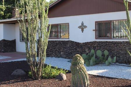 Casa Blanca de Las Cruces