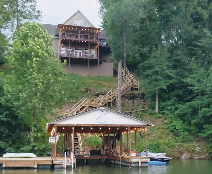 The Good Place-Sleeps 18-Private Dock-5 min I-75
