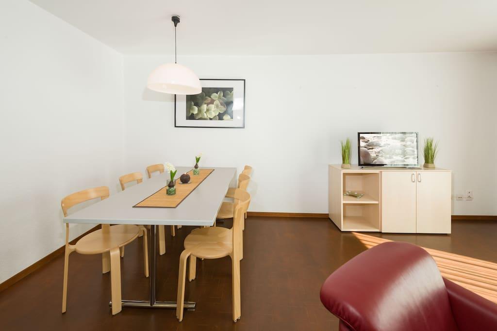 ferienwohnung zw lf in traumhafter bergdestination wohnungen zur miete in gr chen wallis schweiz. Black Bedroom Furniture Sets. Home Design Ideas