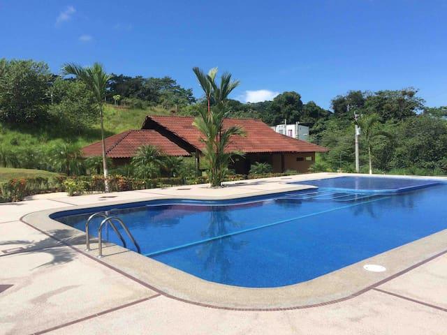 Casa de playa Jacó, cerca de Punta Leona