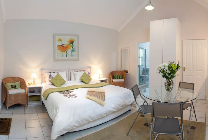 Comfy Couple Suite in BnB