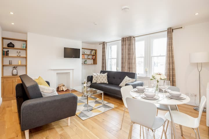 Charming apartment in famous Mayfair