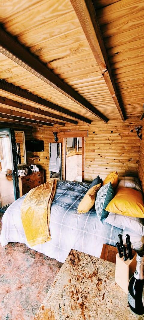 Bathingwell Lodge - An idyllic cosy country cabin