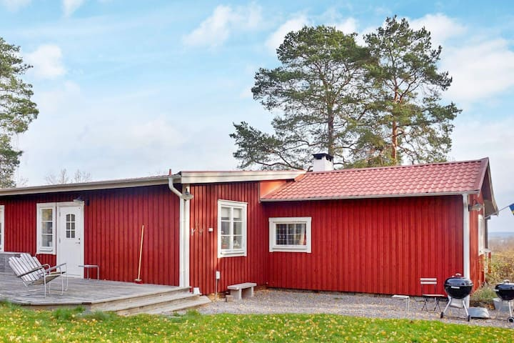 6 person holiday home in MARIEFRED