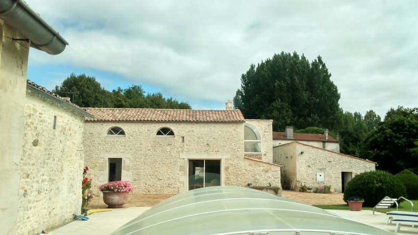 gite chambres d hotes - Saint-Hippolyte