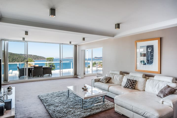 PENTHOUSE 707 - LUXURY WATERFRONT APARTMENT - Ettalong Beach - Daire