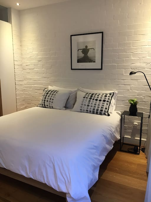 Queen bed with very comfortable mattress