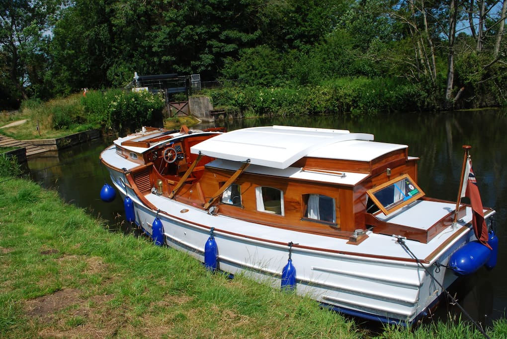 Built 1933,  Water Rail is one of only twelve Delight Class ever built - she was  no VII.