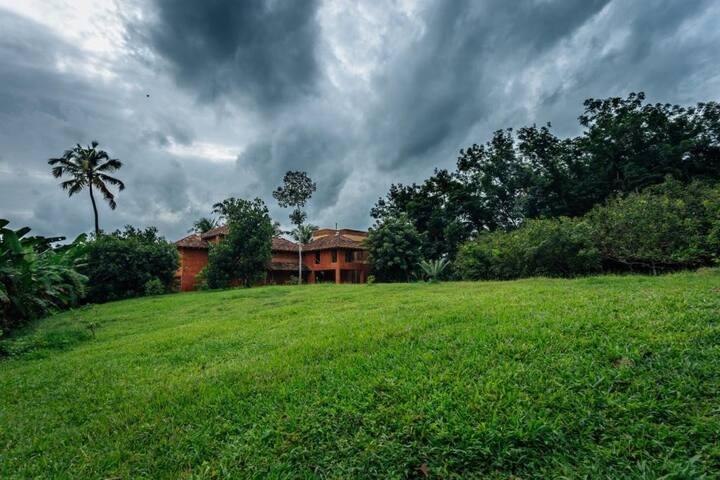 Room 1 @ Mynaakom - real Kerala countryside