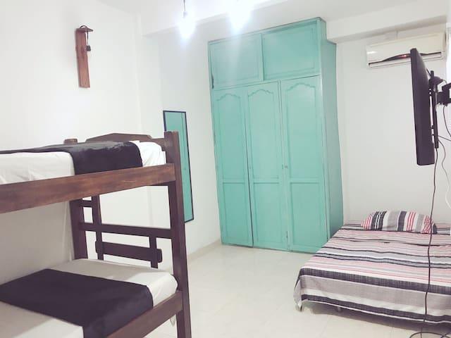 Habitación privada, para 3 o 4 personas