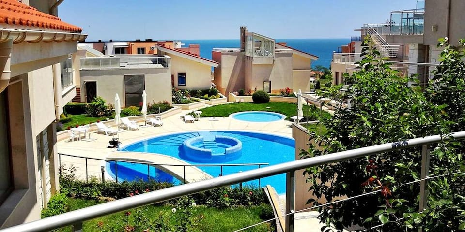 Luxury Villa With Pool And Close To The Beach