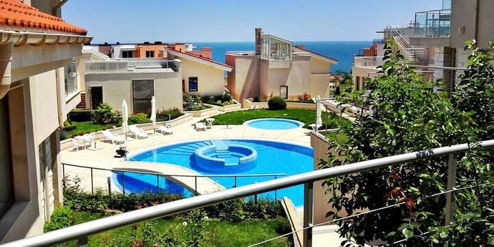 Big 3 Floor Villa With Pool And Beach