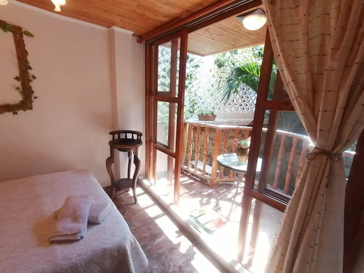 Double room with balcony, your home in Cartagena!