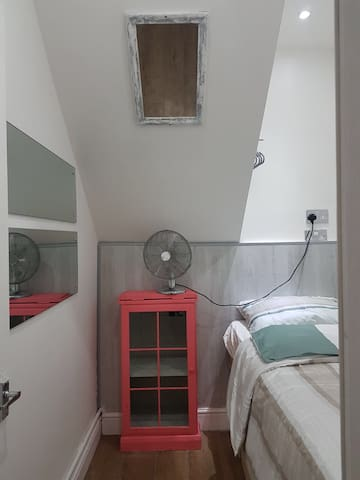 Cozy single room