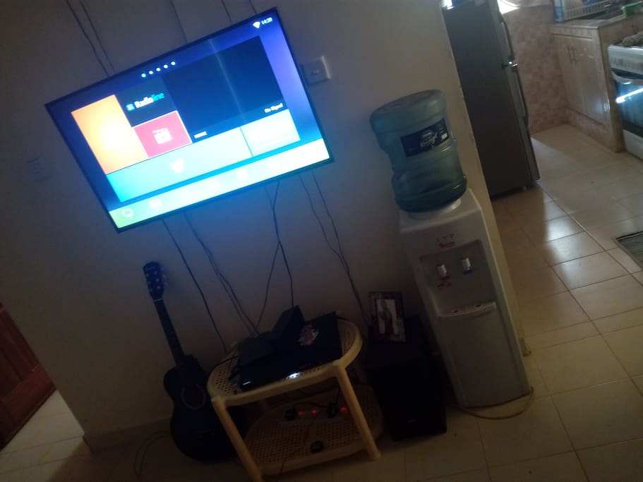 43' tv , wifi enabled, water dispenser and a well fit Sony home theatre