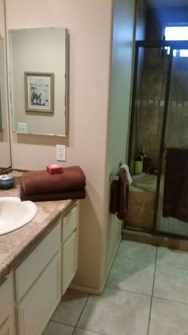 Private Bathroom with Handycap access.