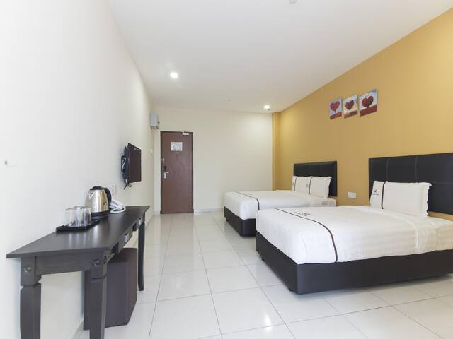 Central Hotel- 1BR Family Suite! Wow Deal