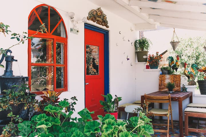 Casa de TONIC - Unique Rosarito Beach Getaway