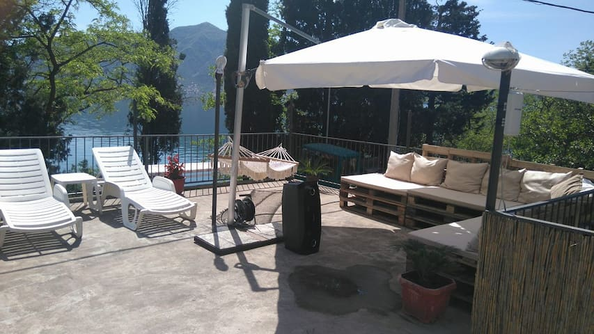 Apartment for rent, 15m from the sea - Orahovac - House