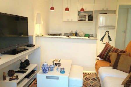 Sala, 2 suítes e cozinha americana - Mangaratiba - アパート