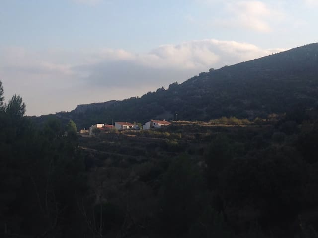 Mountain retreat with stunning view - Castellon  - Rumah