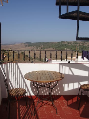Superb views & charming 'bolt-hole' - Alcalá de los Gazules - House