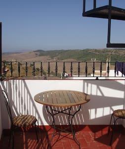 Superb views & charming 'bolt-hole' - Alcalá de los Gazules - Hus